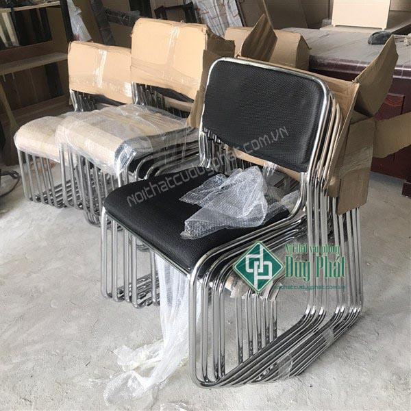 Thanh lý bàn ghế văn phòng Hai Bà Trưng kiểu mẫu ghế chân quỳ lưng da hiện đại
