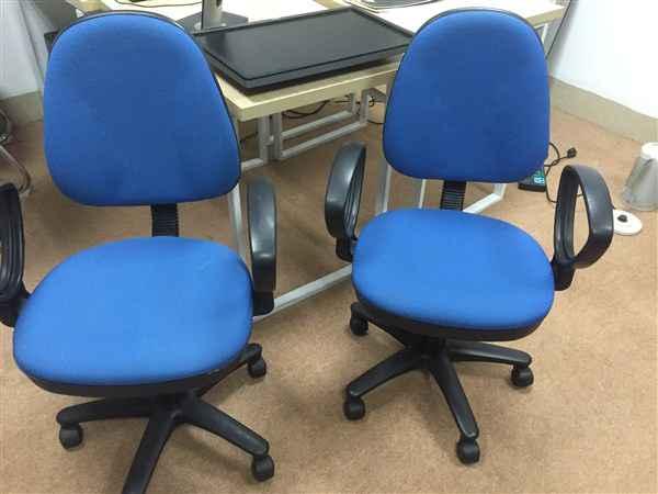 Mẹo chọn mua bàn ghế cho nhân viên văn phòng đẹp 2
