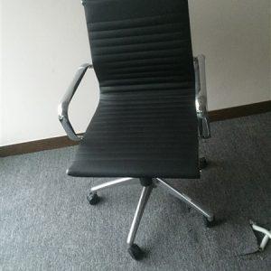Các mẫu ghế xoay văn phòng hiện nay có khả năng bảo vệ cột sống