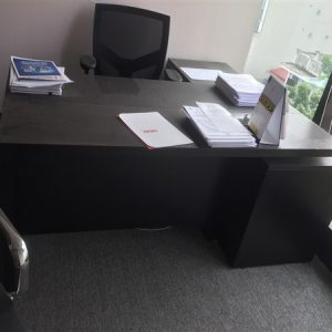 Thanh lý bàn ghế giám đốc