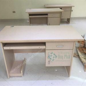 Mẫu bàn hiện đại có hộc và ngăn kéo