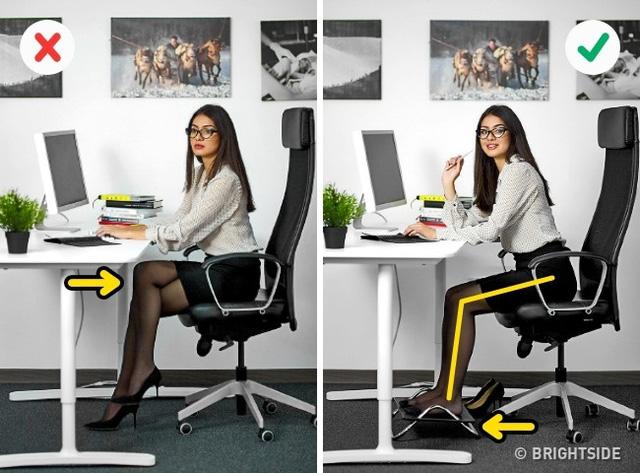 Tư thế ngồi làm việc cho dân văn phòng AI cũng NÊN biết